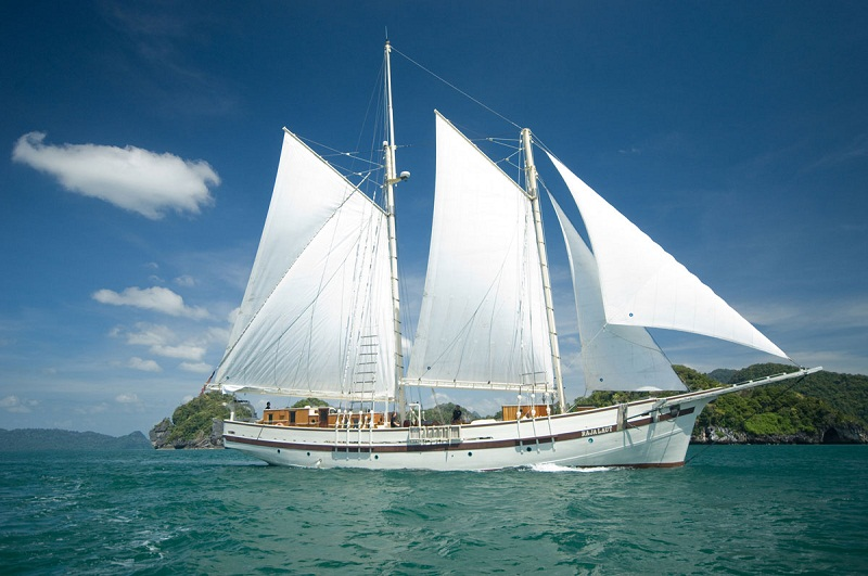 phinisi-indonesian-traditional-sailing-ship