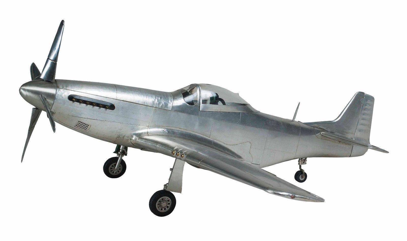 p-51-mustang-aircraft-authentic-model-4