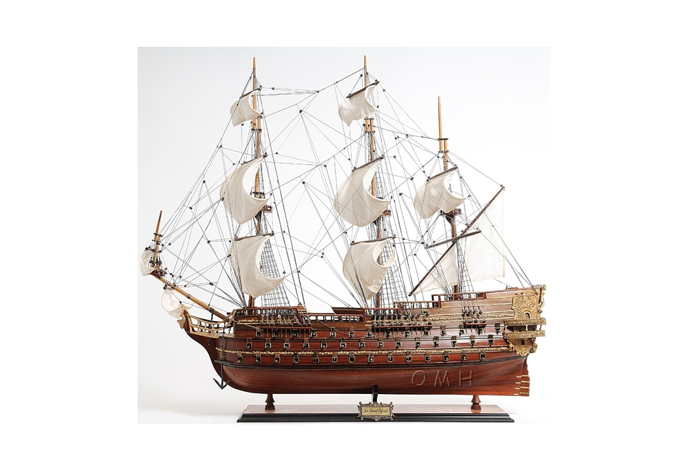 18th-century-saint-esprit-ship-model