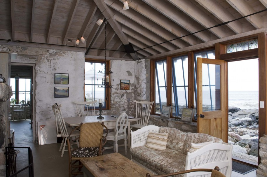 Beach house rustic and industrial accent interior design for Rustic style interior
