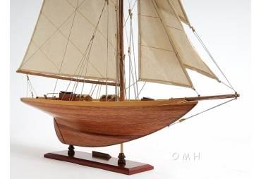 Ocean Racing Yacht Pen Duick